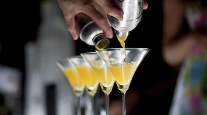 Profissão de bartender é febre no mercado